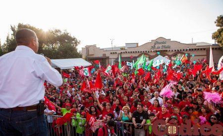 """""""A esos que nos están espiando enfrente, los de Acción Nacional, les queremos decir que el domingo van a perder"""": Presidente del PRI Tecate"""