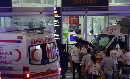 Estambul sufre atentado terrorista, deja 41 muertos
