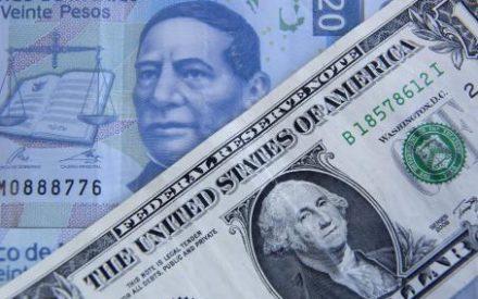 Buscan prohibir el cobro de renta en dólar.