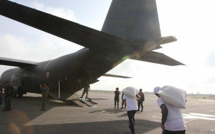 Implementan puente aéreo para abastecer con alimentos a Oaxaca