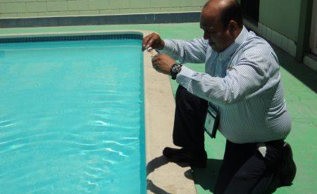 En Baja California, albercas en constante vigilancia