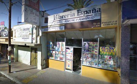 Más bares que librerías en Tecate