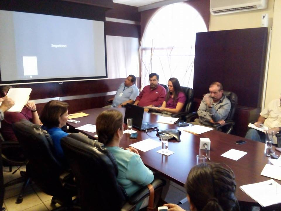 Reunión de directores Institucionales, empresarios y políticos de Tecate