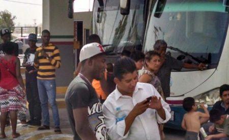 Aseguran a 52 migrantes africanos rumbo a Tijuana
