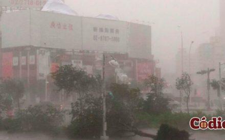 """29 Muertos dejó a su paso el tifón """"Meranti"""""""