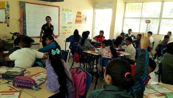 Imparten programa preventivo DARE en primarias de zona urbana y rural