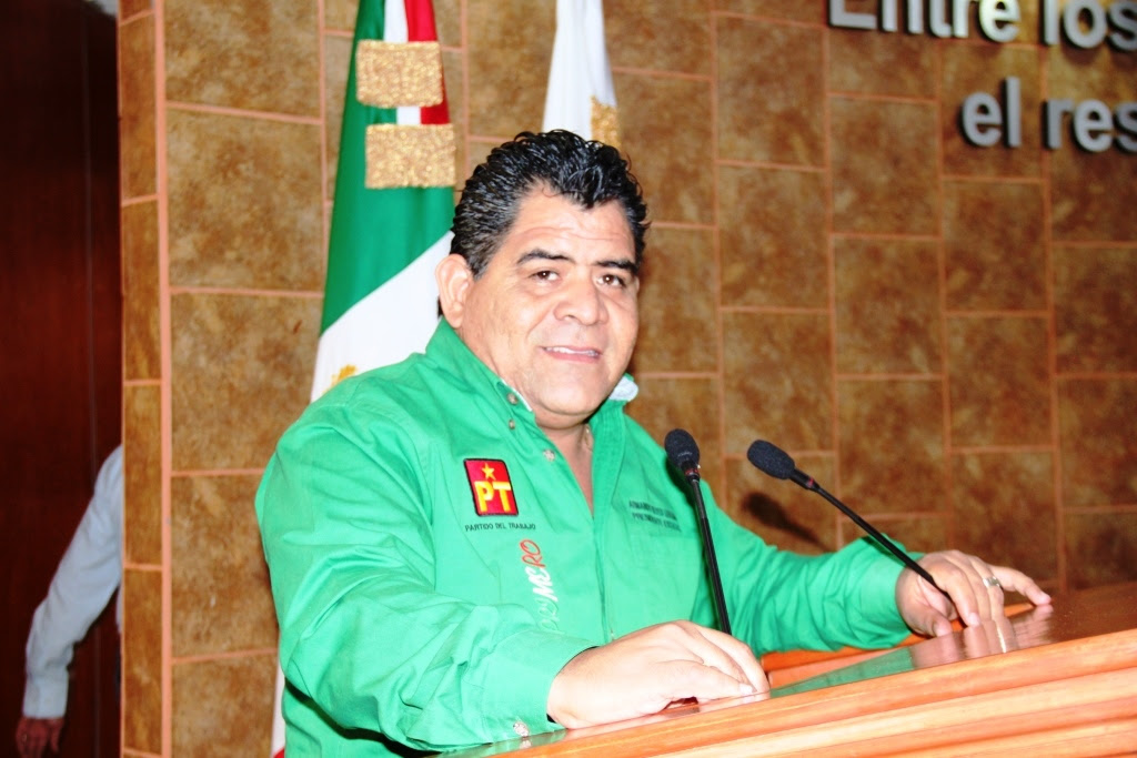 """Evitan juicios políticos de """"Kiko Vega"""" y 10 funcionarios más"""