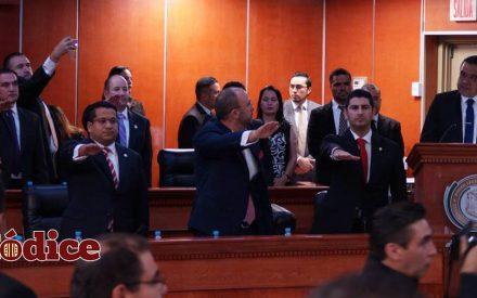 Rinden protesta nuevos diputados de la XXII Legislatura en BC