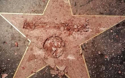 Vandalizan estrella de Trump en Hollywood