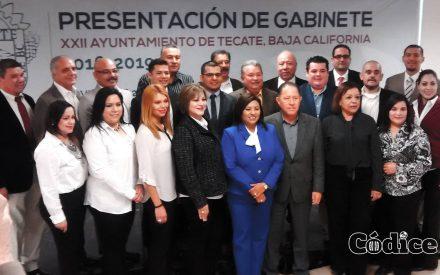 Presenta Nereida Fuentes gabinete municipal