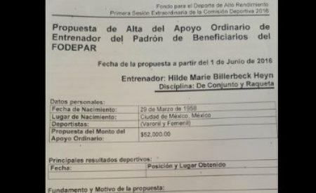 CONADE beca con 52 mil pesos mensuales a madre de funcionario