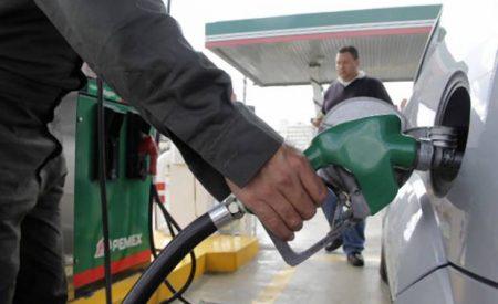 Gasolina magna en México más cara que en EU, Colombia y Rusia