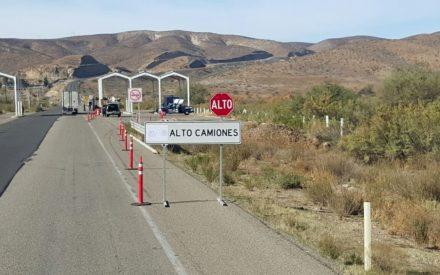 Operativo de peso y dimensiones en la carretera Tecate- El Sauzal