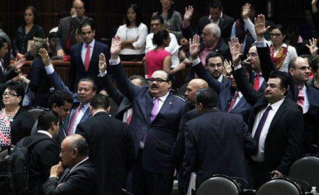Diputados recibirán aguinaldo de 140 mil pesos; un obrero, sólo 2 mil 921