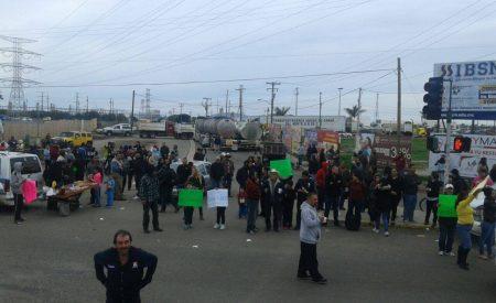 Manifestaciones simultáneas en BC por gasolinazo