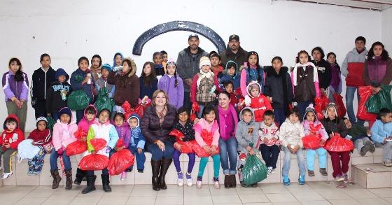 DIF Tecate lleva alegría a niñas y niños de la Zona Rural