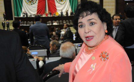 """""""El que tenga coche, que lo mantenga, no hay de otra carnal"""": Carmen Salinas"""