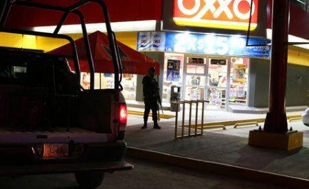 Capturan a presuntos asaltantes de cadena comercial OXXO