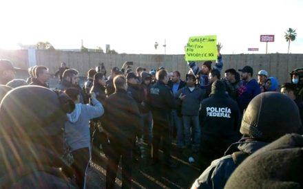 Retoman manifestación en planta de PEMEX Rosarito