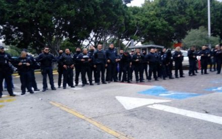 Bloqueos en Palacio Municipal de Tijuana y Centro de Gobierno en Mexicali