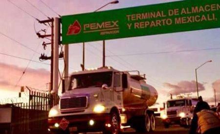 Liberan terminal de Pemex en Mexicali
