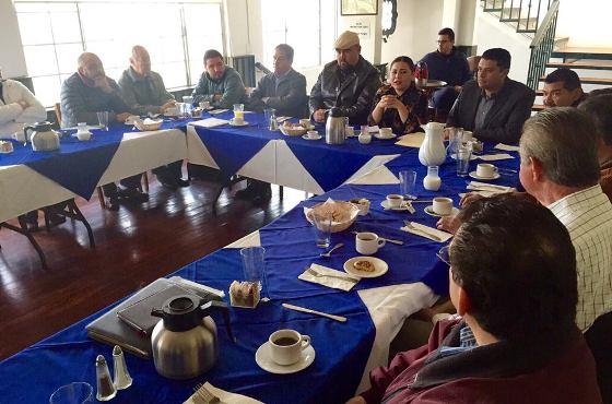 Se reúne Síndico Procurador Karina Castrejón con integrantes del Colegio de Ingenieros Civiles de Ensenada, A.C.