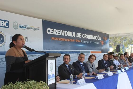 Asiste Alcaldesa Nereida Fuentes a graduación de la Academia Estatal de Policía