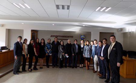 Carlos Gaona exhorta a Francisco Vega en materia educativa