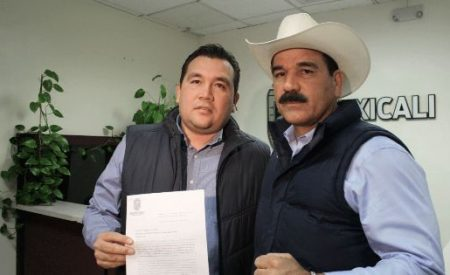 Entregan exhorto al Alcalde para suspender la construcción de la Cervecera en el Valle de Mexicali