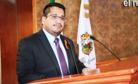 Activo Benja Gómez en su quehacer legislativo