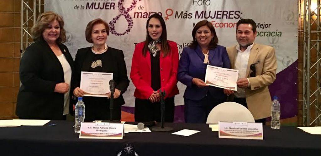 Participa Nereida Fuentes en Foro de la Mujer