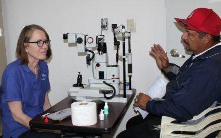 Mejoran salud visual de tecatenses