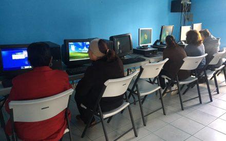 Dona Benjamín Gómez computadoras en Valle de las Palmas