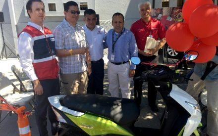 Entrega Gobierno del Estado premio del sorteo revalida, gana y apoya a la Cruz Roja Mexicana