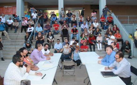 Diputado presidente invita a manifestantes a mesa de trabajo