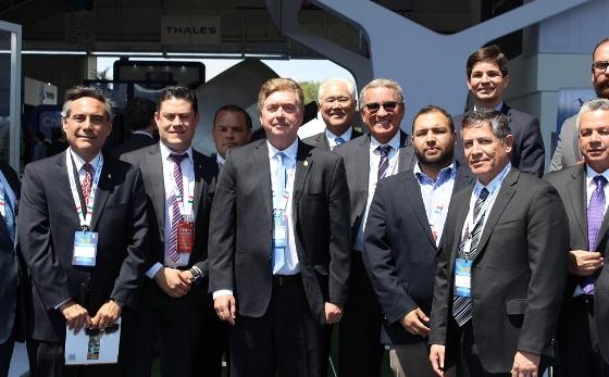 Inaugura Gobernador Francisco Vega espacio de Baja California en Feria Aeroespacial Mexicana