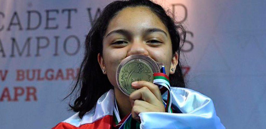 Tijuanense se corona campeona de esgrima en Bulgaria