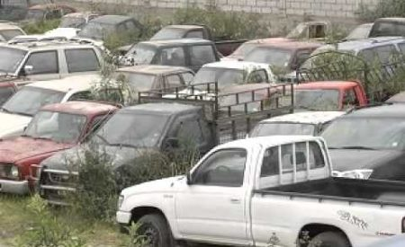 Anuncian limpieza de autos chatarra y abandonados