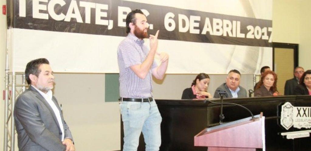 Presenta Catalino Zavala iniciativa de Ley de educación para sordos impulsada por asociaciones civiles