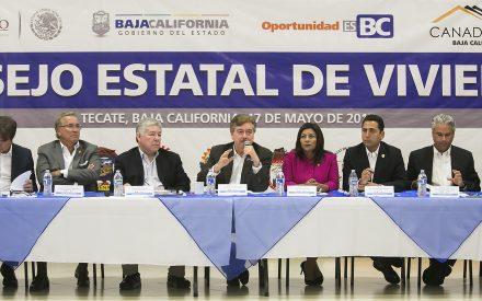 "Exhorta ""Kiko"" Vega a unir esfuerzos para impulsar al sector de la vivienda"