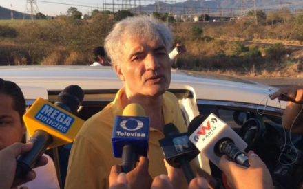 Liberan a Mireles, exlíder de autodefensas en Michoacán