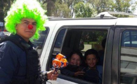 Policía Municipal regala sonrisas menores tecatenses