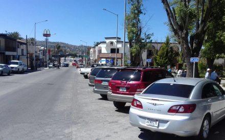 Prohíben a trabajadores municipales acaparar estacionamientos
