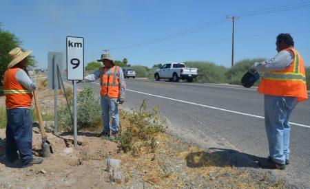 Continúan los trabajos de conservación en carreteras del Valle de Mexicali