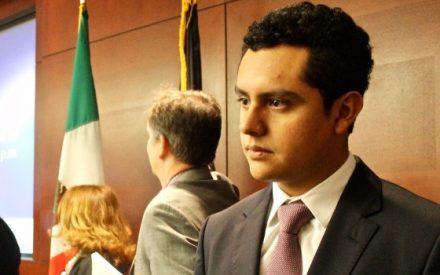 Aprueban iniciativa de Eligio Valencia para transparentar licitaciones