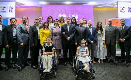 "Encabezan Gobernador Francisco Vega y señora Brenda Ruacho presentación de la campaña ""México de Pie"""