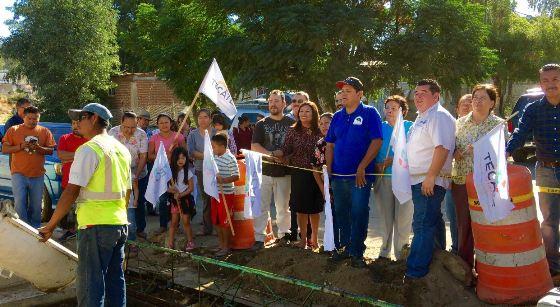 Ayuntamiento continúa con la pavimentación de vialidades