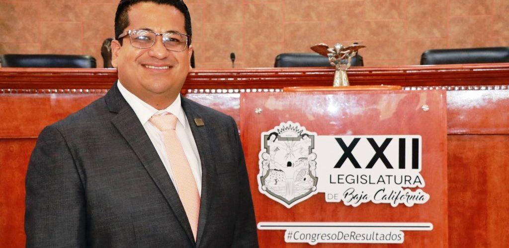 Diputado tecatense preside Congreso de BC