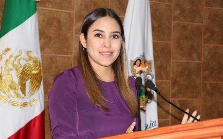 """""""Que ningún joven se quede sin estudiar, ni trunques sus sueños"""": Patricia Ríos"""