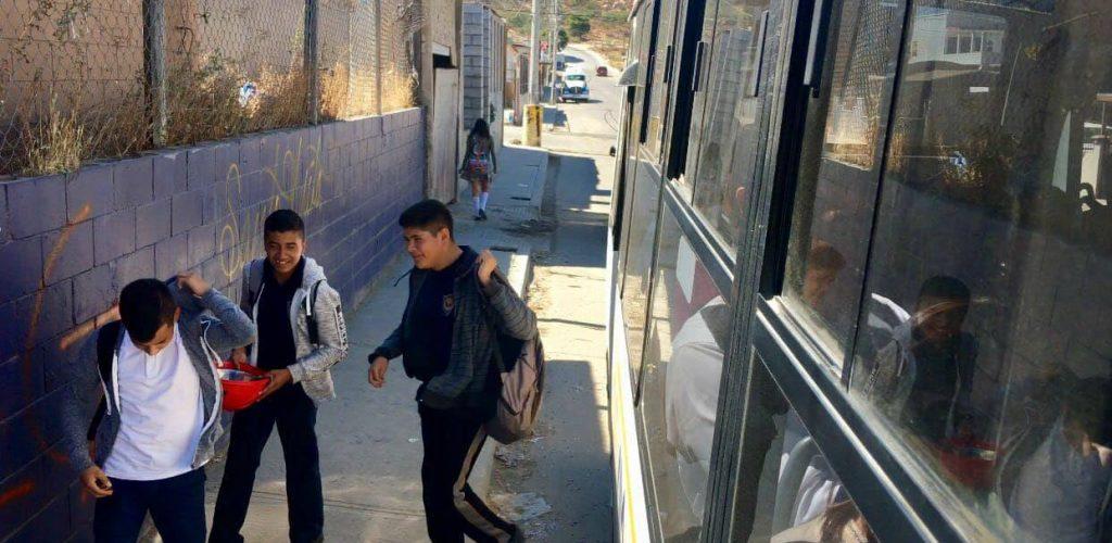 Estudiantes se beneficiarán con nuevas rutas de transporte y becas